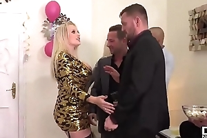 Massive Confidential On NYE (Part 1) - Watch FULL Peel on: http://bigtittyvideos.com/
