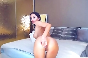 Webcam slut to HUGE BOOBS-More www.Sexcamhunters.com