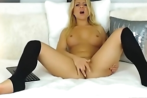Webcam beauteous slut play round dildo-www.SexCamhunters.com