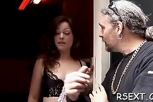 Smoking sexy babe with bald cookie gives a dank oral-service