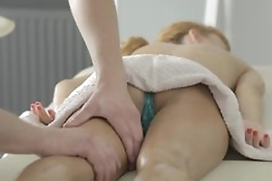 Careful massage with pussy licking and hot hardcore porn with cumshot