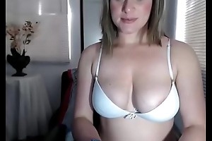 wonderwoman94 thick inept big tits lalin girl camgirl